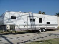89 22 FT PROWLER 5TH WHEEL TRAILER SELFCONTAINED SLEEP