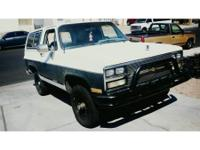 Offering my 1989 Chevy K5 Blazer with clean title, Im