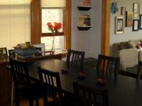 Great deal on a full dining room set!! 6 brown/black