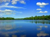 This large Minocqua & Manitowish Waters area lake