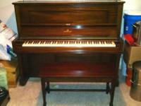 Antique Steinway upright in beautiful condition. Model