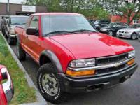 This 2001 Chevrolet S10 3dr LS 4x4 Truck features a