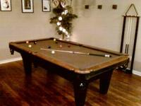 Im selling this 8ft non slate pool table that I