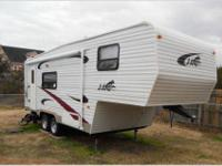 2005 24 ft KZ brand fifth wheel camper, easy to tow