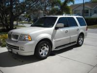 Perfect condition. 2006 Lincoln Navigator 4dr 2WD