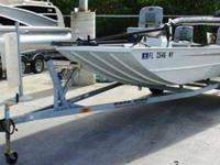 2009 Triton 1756 SC The Triton 1756 SC is a boat for