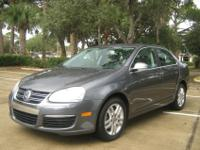 An exceptional 1-owner 2007 Volkswagen Jetta equiipped