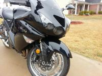 IM SELLING A 2008 KAWASAKI ZX14 THE FASTEST MOTORCYCLE