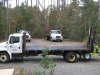 TRUCK - RUNS GREAT! Diesel Engine, 20Ft Hydraulic