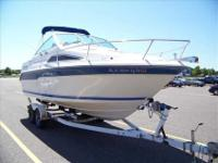 1990 Sea Ray 220 SUNDANCER This Sea Ray 220 Sundancer