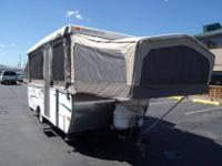 2006 Starcraft Centennial , White, This is a top of the