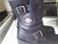 I HAVE A PAIR OF WOMANS HARLEY DAVIDSON BOOTS SIZE