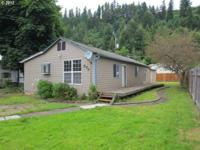 Newly Remodeled 3 Bedroom/2 Bath home that has Open
