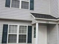 This lovely town home offers 3bedrooms, 2 baths. This