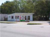 600 sf building for lease on Dorchester Road. One block