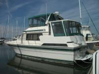 Popular Sundeck style motoryacht with a wide 15' beam