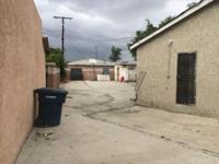 Mixed use property, a single 2 bedroom 1 bath home and