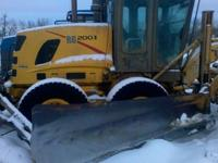 2004 New Holland RG200.B Grader w/ Snow Wing (V-plow