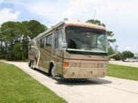40? Admiral FDSO model. This luxury coach is loaded