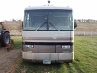 93 American Eagle Fleetwood, 40' Motor home. 8.3