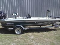 94 Champion dual console 18 ft bass boat. 175 mercury