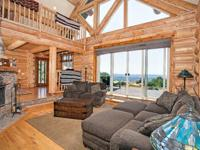Absolutely spectacular 3 BED/ 2 BA hand-cut log home