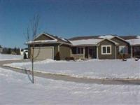 Extremely beautiful home!Top quality carpeting,quartz