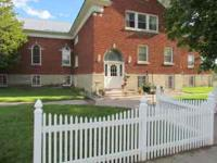 Newly renovated Rocky Mountain Red Brick Inn has single