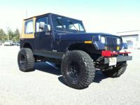 hi cl im selling my 95 jeep wrangler. 4.0 H.O STRAIGHT