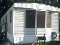 14x60 Mobile home on good conditions. It is a 80's