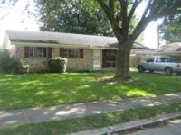 Near Acadiana Mall - Spotless 3 Bedroom / 1 bath house.