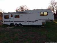 This is a very nice camper with a few cosmetic flaws,