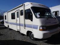 33' CLASS A MOTORHOME. FORD CHASSIS, 7.4 LITER (460CI)