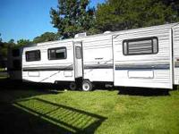38 foot camper park modle 2 bed rooms two slide outs