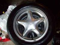 I have 3 (three) 1998 Mustang GT wheels from Ford's
