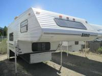 1998 Lance Squire 11.3 truck camper Used 1998 Lance
