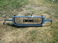 USED GOOD CONDITION OEM FACTORY  CHROME GRILLE FOR