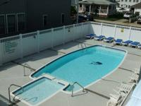 Wildwood Crest one bedroom house. Pool! Beach!