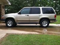 1999 Ford Explorer XLT, V6, Harvest Gold/beige in