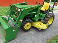 John Deere 4100 4 wheel drive tractor with Loader,Bush