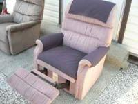 lazyboy Recliner work well and is comfy to sit on very