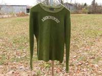 ABERCROMBIE & FITCH 100% Wool Large Ladies Pullover