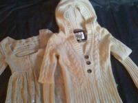 White Abercrombie & Fitch pullover coat, 3 huge buttons