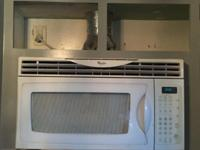 Whirlpool Above stovetop microwave Excellent condition