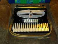 Milano full size accordion in excelent condition with