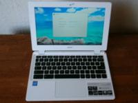 For sale Acer chromebook in like new condition with