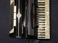 Acmette Piano Accordian. - Made In Italy circa 1960's.