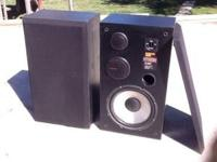 "2, 27"" x 15"" model H-CD12, Hi Comp Response, 26 HZ -"