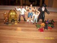 SECRET SATURDAY FIGURE AND SMALL SET WWE WRESTLING