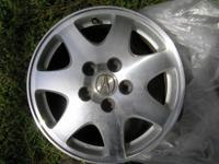 Descripción Set of 4 Original factory alloy rims in
